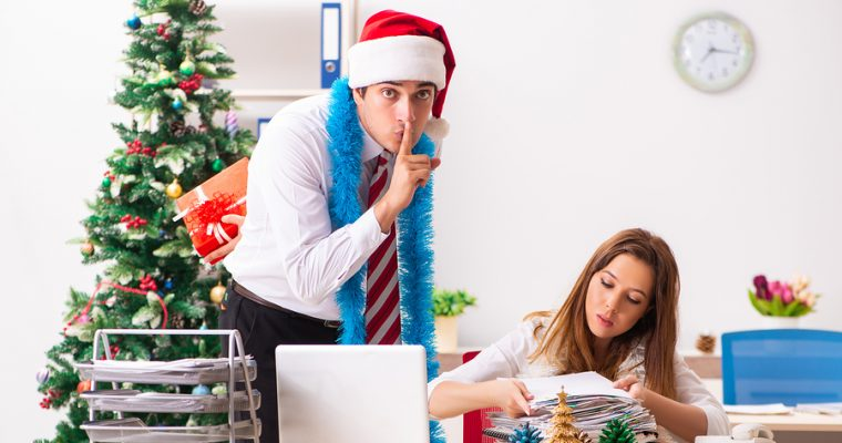 Secret Santa Gifts for the office – 25 Epic ideas under $25