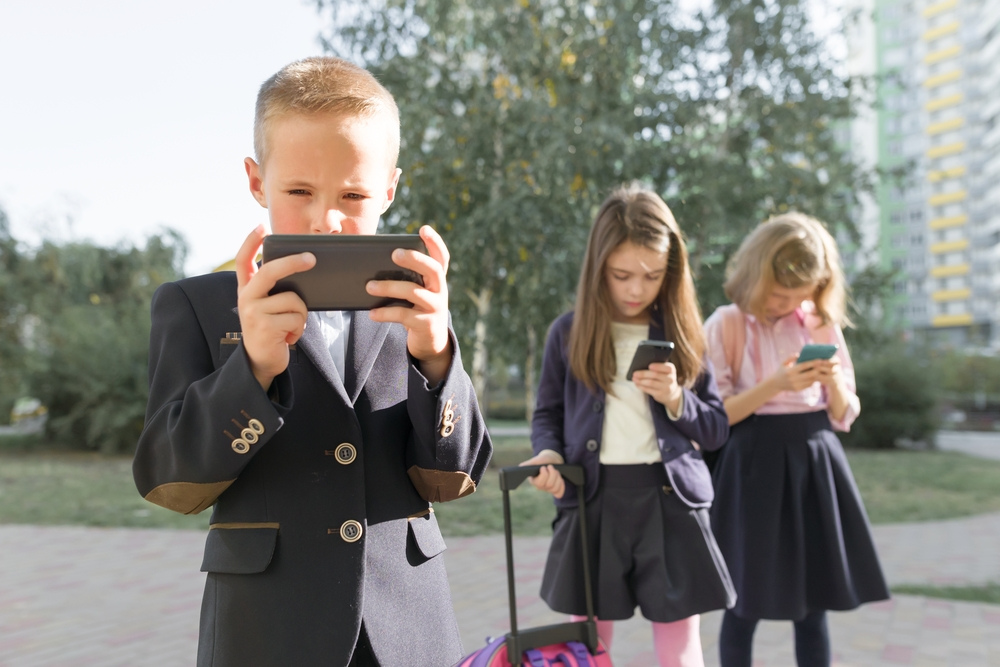 Why Giving Your Kids a Cell Phone Too Young Could Be Your Biggest Parenting Mistake Yet